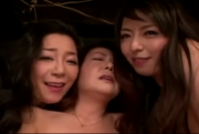 Squirting Japanese Moms